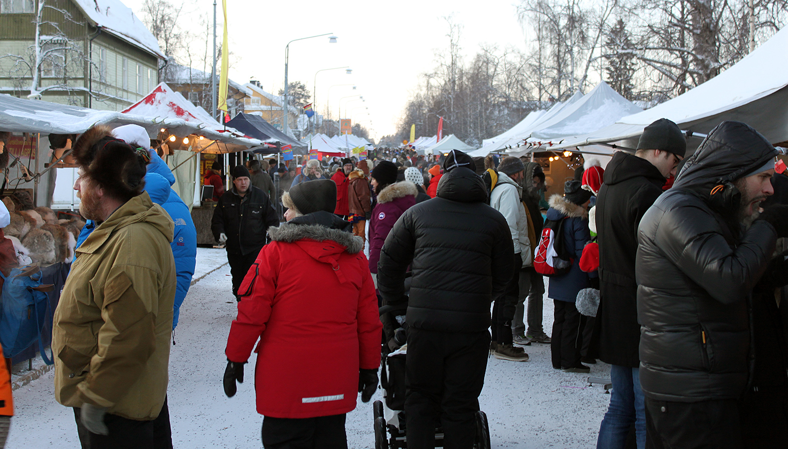 2016-02-05 - Storgatan (the main street) on the second day of the Jokkmokk winter market of 2016