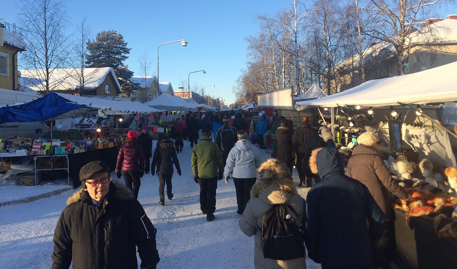 2016-02-05 - Storgatan by 11:30